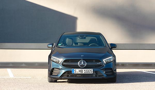 Bộ 3 xe thể thao Mercedes ra mắt tại Việt Nam