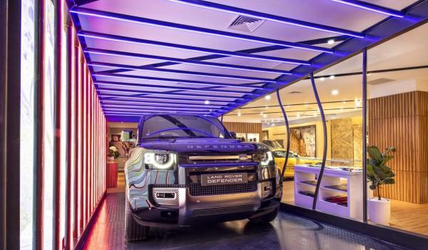 Jaguar Land Rover mở cửa khu trưng bày xe mới, tặng kèm ưu đãi cho khách chốt xe từ nay đến hết tháng 6